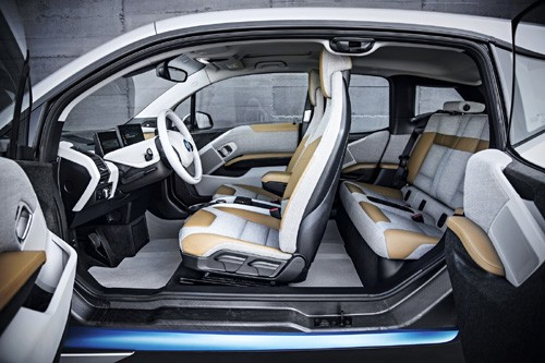 Automotive Interiors Expo 2014: BMW i3, castigator!