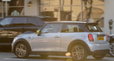 Noul MINI Electric SE