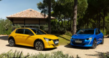 "Noul PEUGEOT 208, finalist ""Car of the Year 2020"" si masina anului in Romania"