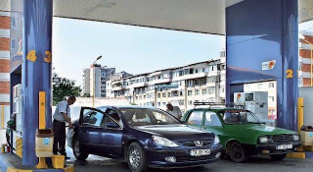 Petrom schimbă denumirile carburanţilor. Care vor fi noile tipuri de benzină