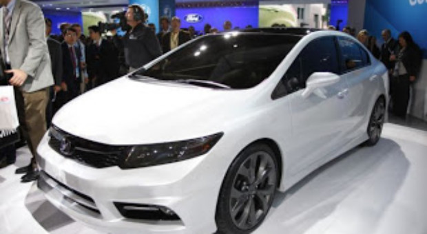 Noul Civic sedan este disponibil din iunie 2012 în reţeaua de dealeri Honda.