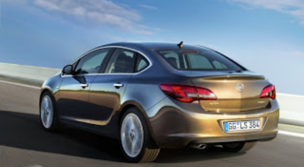 Noul Opel Astra Sedan – pret 15.950 euro cu TVA