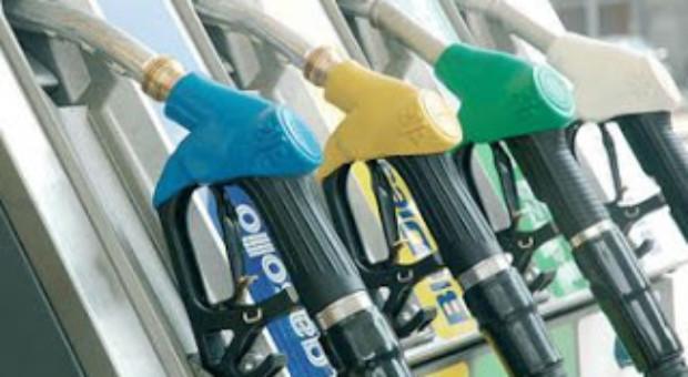 OMV-Petrom a majorat pretul benzinei. OMV Carrera 100 costa 6 lei litrul