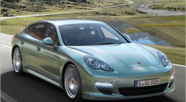Despre fabrica Porsche si modelele Cayenne si Panamera
