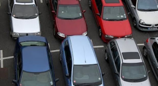 Taxa auto 2013 inlocuita cu un timbru de mediu