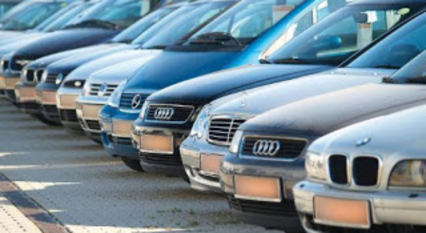 Taxa auto la prima vanzare si pentru masini vechi