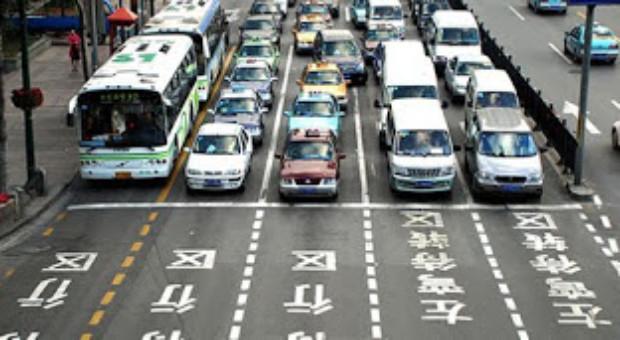 Maşinile diesel şi pe benzină interzise în oraşele europene până în 2050