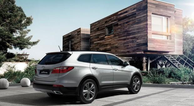 Noul model Hyundai Grand Santa Fe este disponibil în reţeaua Ţiriac Auto
