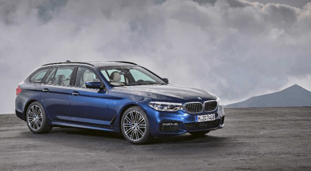"""BMW câştigă """"Connected Car Award"""" pentru utilizarea inteligenţei artificiale"""